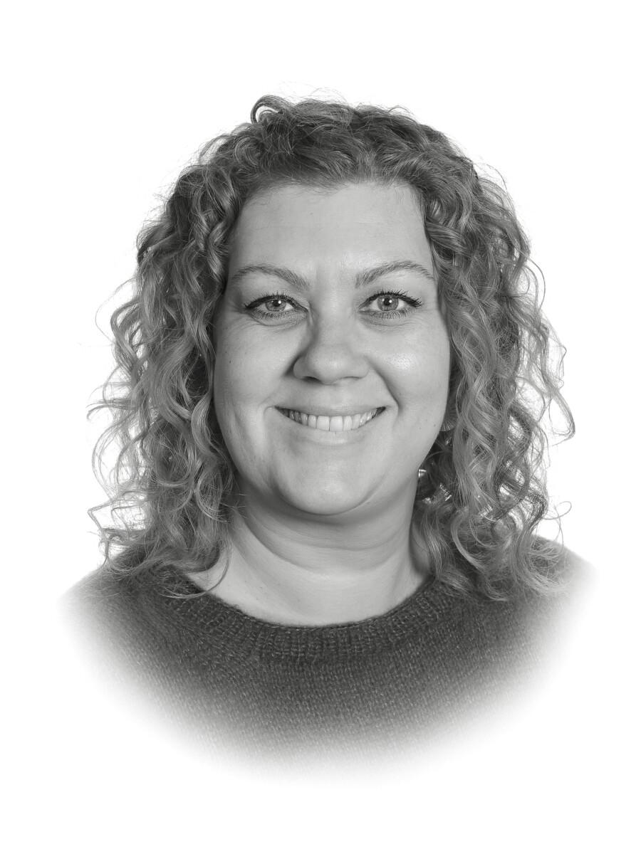 Anne S. Rasmussen : Lærer