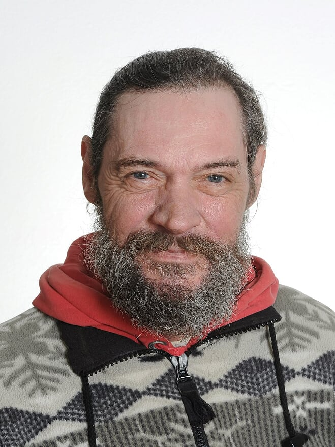 John Lagoni Nielsen : Pedelmedhjælper